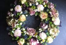 Fresh flower wreaths / Floral wreaths made with fresh sesonal flowers and foliage.