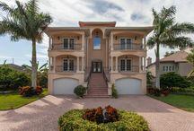 Pasadena Yacht Club Homes / Beautiful and elegant homes found in Pasadena Yacht Club Fl area.
