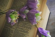 Flower bookmarks (The Paper Heart) / This is a place for everyone who loves to read. And for everyone who loves flowers, of course. Flower bookmarks for book lovers ♥ Create your library garden!