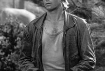 Richard Dean Anderson / Images of Richard Dean Anderson from ScifiTVGuide.com