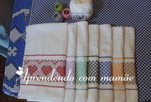 bordado pano de pratoem tecido  xadrez / pano de prato com barrado xadrez, pontos usados, ponto de cruz duplo e ponto médici.
