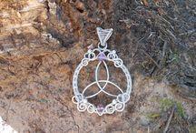 Wire jewells
