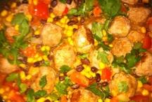 food (lunch/dinner) / dinner recipes, normal everyday food, etc.. / by Kamra Lee Fuller