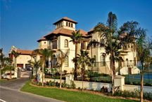 Dream Home / Photos of gorgeous homes, rooms, and backyards.