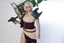 Riven (League of Legends) cosplay ref