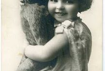 ❤️ Vintage People & their Teddybears ❤️ / Also visit : https://www.pinterest.com/HBlackthorne/vintage-people-their-teddybears/