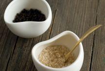 0 bowl • salt and pepper cellars