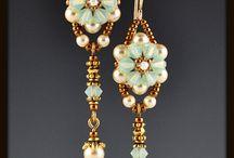 Jewellery - inspire to make / by Helen Halligan