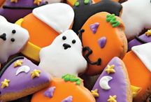 Happy Halloween / Delight your neighbors & friends with these spooky Halloween treats and décor.