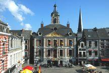 Grand'place et hôtel de ville / Le centre ville de Huy dans toute sa splendeur