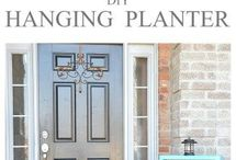 Curb Appeal | Home Decorating / Easy DIY ways to improve your curb appeal, on a budget, with DIY projects, with paint, with plants and with inexpensive landscaping ideas.
