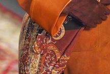 Paris, Capital of creativity / Paris is a world capital city of shopping and fashion, with Chanel, Dior, Vuitton, Yves Saint Laurent among many other top french fashion brands. Paris is year after year the most visited city in the world // Paris occupe une place prépondérante dans le milieu de la mode et du luxe avec des marques internationales telles que Dior, Channel, Vuitton ou bien Yves Saint Laurent ; c'est aussi la capitale la plus visitée au monde.