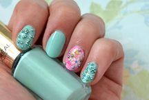 Spring Manicure For Lunar New Year, Mint Caviar and Flowers / by Helen Nguyen