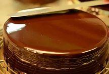 Receitas de Coberturas para Bolo / Ótimas receitas para decorar seu bolo.