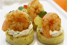 Best Summer Party Appetizers / In the summer party season you need to have hot and cold appetizer ideas that people will love. Here is our pick of the best summer party appetizers. What are your favorite summer party appetizers?