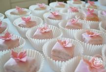 Fondant Fancies / Created as part of an afternoon tea which we provided for a wedding party in Glasgow recently.