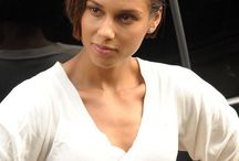 Alicia Keys celebrity hairstyle / collection picture of Alicia Keys celebrity hairstyle