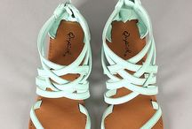 Fashion _ Shoes / Fashionable shoes we love, women's shoes, heels, booties, sandals, athletic shoes.