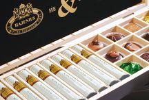 Geschenken / Soms wilt u uw waardering omzetten in iets tastbaars. Gelukkig kunt u dan goed bij Huize van Wely terecht. Wij zijn experts op dit gebied!  Namelijk daar waar  woorden overgaan in prachtige producten. Wij hebben een samenwerking met Moët & Chandon en Hajenius Sigaren. Maar er is zoveel meer...