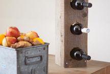 RUW accessoires / Michiel tovert resthout om tot bijzondere woonaccessoires zoals lampen, kapstokken, decoratielijsten en wijnrekken