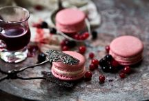 FOREST FRUITS / Macaron with mousseline made of blackberry, raspberry, blueberry and cranberry. (photo:Dionisis Andrianopoulos, Styling: Anestis Michalis, Photographer assistant: Konstantina Statha)