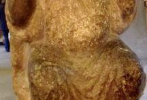 Wiligelmo: Telamone / Da Cremona, inizio XII secolo. Milano, museo del Castello Sforzesco