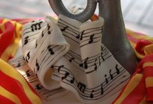 música cakes / by Gisell