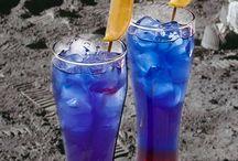 Pretty Drinks / by Kassidy Ames