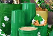 St. Patricks Day Party Ideas / Plan your annual Saint Patrick's Day party with decoration, party favor, and party food ideas from Tippy Toad.