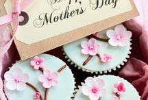 The mother's day / All about the mums