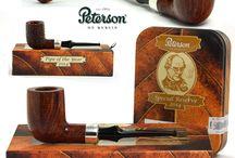 Dýmky online - Pipes online / Pipes and tobacco. Dýmky různých světových výrobců. Produktová fotografie.