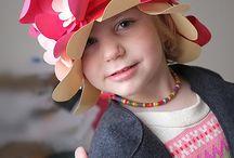 papírové klobouky, masky, čelenky