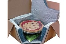 Thermal Pie/Cake Shipper / is a very smart 2-part insulation liner designed for temperature control and extra soft cushioning protection. Fits snugly into protective corrugated outer box. Cotton padding is biodegradable.