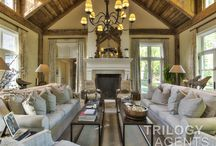 Luxurious Living Rooms / Style your living rooms with comfort and elegance.