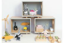 Eva's dolls houses