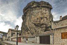 Uña / Uña es un pequeño municipio con encanto serrano situado en plena Serranía, a tan sólo 36 kilómetros de la capital.