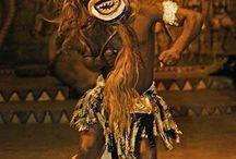 Historia de la música y la danza a través del tiempo. / Desde la prehistoria los seres humanos creamos la música y la danza como parte de nuestro diario vivir,siendo una expresión de nosotros mismos.