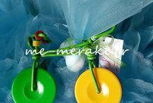 Χειροποίητες μπομπονιέρες βάπτισης / Handmade mpomponiera for christening. Μπομπονιέρες βάπτισης, ξεχωριστές, ιδιαίτερες δημιουργίες, πλεκτές μπομπονιέρες, με τσόχα ή ύφασμα, κουτί ή κρεμαστές δια χειρός ζωγραφισμένες... . όλες χειροποίητες μία - μία φτιαγμένες Με Αγάπη και Με Μεράκι...  Ιστοσελίδα www.me-meraki.gr