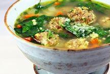 Soups & Stews / by Lynn Kolb Manocchio