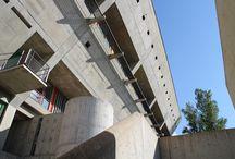 Maison de la Culture - patrimoine mondial / Seul bâtiment construit du vivant de Le Corbusier à Firminy, la Maison de la Culture est inscrite sur le liste du patrimoine mondial de l'humanité - Unesco.