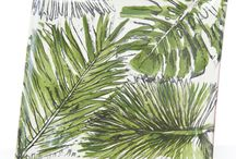 Palmetto & Le Moulin / Made in Portugal. Palmetto features a hand painted palmetto leaf. Le Moulin's solid green pieces all in generous sizes are the ideal companion pieces. Dishwasher and microwave safe.