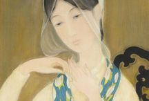 LE PHO / Fils du dernier roi du Tonkin, Le Pho intègre l'Ecole des Beaux-Arts d'Hanoï en 1925.Le Pho est le peintre de la délicatesse. A travers des aplats de couleurs et un style poétique et gracieux, ses peintures appellent à la sérénité.