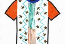Kindermode die es nie zuvor gab! / Mit www.zeichnedeinekleidung.de findest du Kindermode die es nie zuvor gab. Coole Kindermode und Trends kennen wir ja alle, aber nie zuvor konnte man sein eigenes Kleid oder T-shirt zeichnen! Hier bist du der Boss und die Modeschöpferin! Ob bunt, mit Stickers oder Glitter, unsere Vorlage kannst du so gestalten wie du willst!