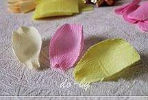 Букет из конфет или бумажные цветы