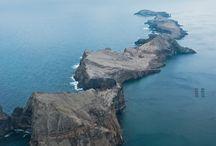 Madeira / Portugees eiland in de Atlantische Oceaan 600 km ver van het vaste land van Afrika of Europa. De diversiteit van het eiland, bergen van bijna 2000m hoog en land op zee niveau bieden een enorme diversiteit.