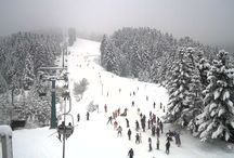 Snow getaways in Greece / Winter comes, temperature drops and ski resorts in Greece are filled with snow to welcome all fans of the sport!
