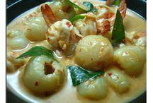 Food: Thai / by Kai Sawangwan