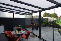 Terrasoverkappingen / Met een terrasoverkapping creëer je een mooie plek in de tuin. Volg ons en wordt geïnspireerd!