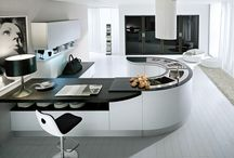 Integra kitchen by Pedini / The Integra hook kitchen by Pedini is almost considered a modern classic.  But it is also available without the curves!