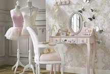 Ideas para princesas / Algunas ideas para las princesas de nuestra casa como rincones de lectura, camas de ensueño, etc...